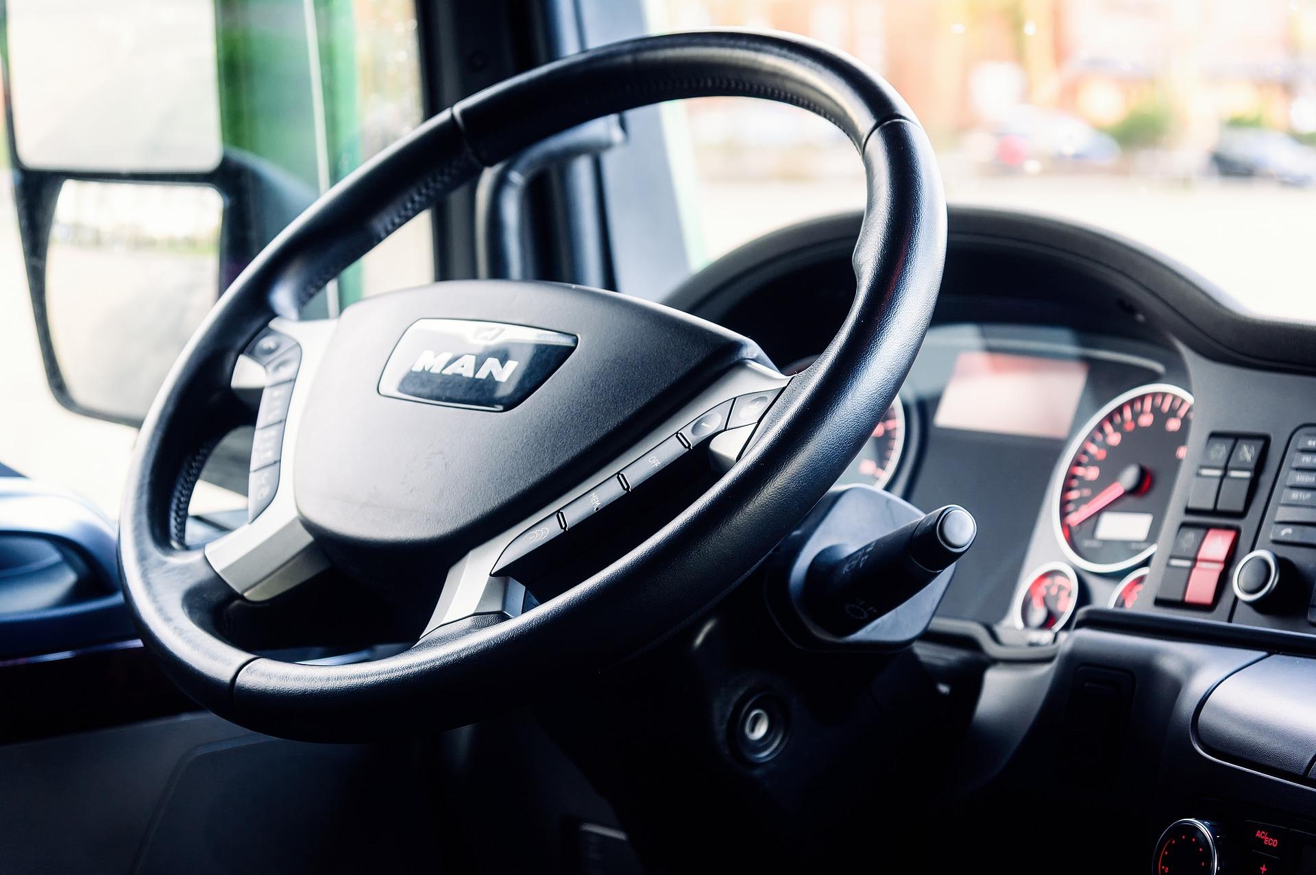 Porady dla kierowców, jak zadbać o przegub napędowy
